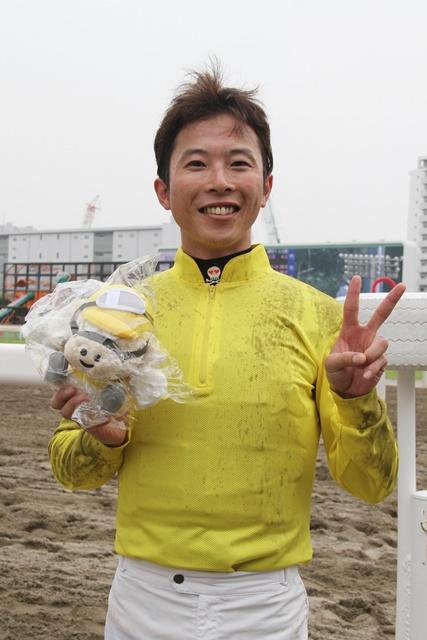 190703 町田直希騎手 900勝-04