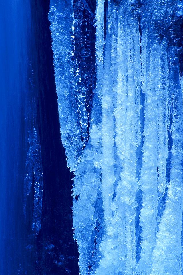 氷柱 ── 刹那のトッピング