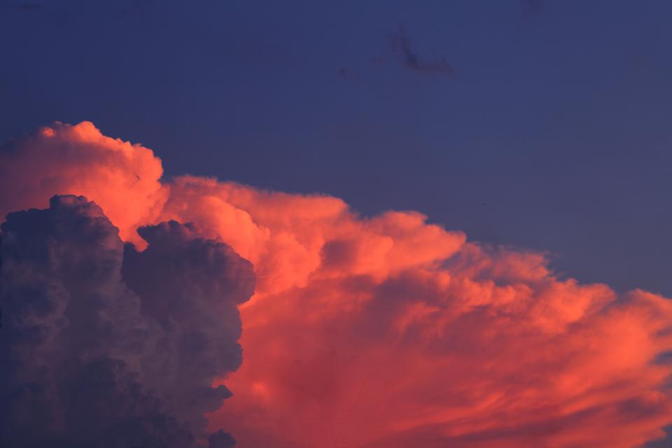スタンダール的かなとこ雲たち