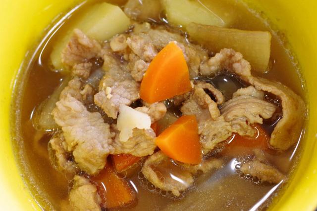豚汁(ジャガイモ系)