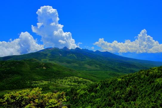 入道雲と南八ヶ岳