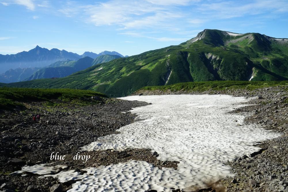 雪渓にある道*