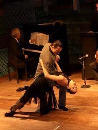 440px-Tango-Show-Buenos-Aires-01_convert_20190704143958_convert_20190704144048.jpg