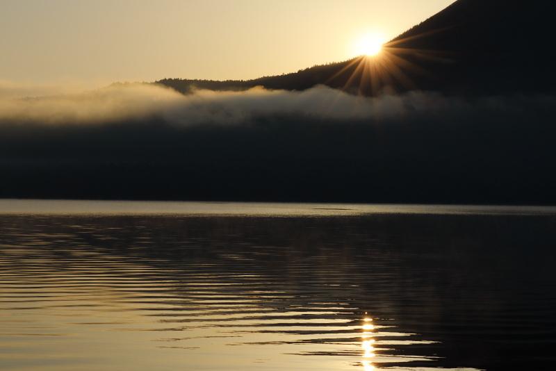 9483 阿寒湖の日の出