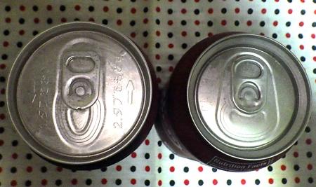 ドクターペッパー 国内版(缶)と輸入版(缶)の缶の比較