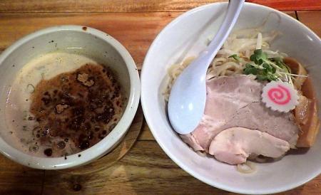 一帆 THEORY・OF・鶏煮干のつけ麺