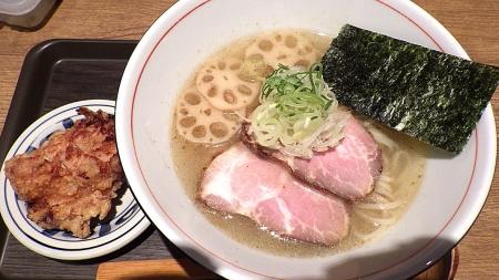 麺と心 7 冷やし中華そば(塩)&唐揚げ