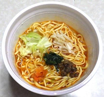4/1発売 THE中華 ラー油を利かせた野菜タンメン(できあがり)