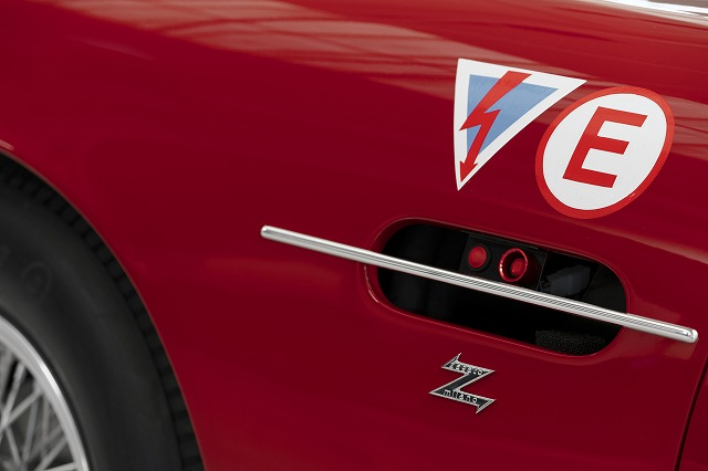 FLN-Aston_Martin_DB4_GT_Zagato_Continuation_10-jpg (3)