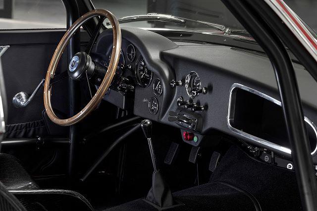 FLN-Aston_Martin_DB4_GT_Zagato_Continuation_10-jpg (8)