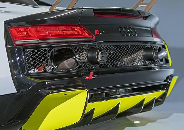 Audi-R8-LMS-GT2 (7)