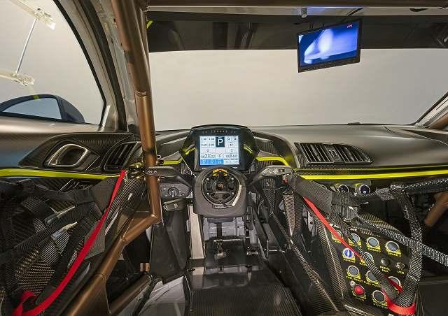 Audi-R8-LMS-GT2 (8)