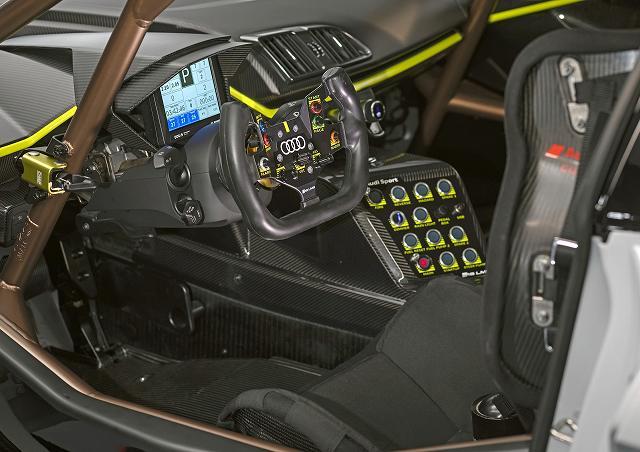 Audi-R8-LMS-GT2 (5)