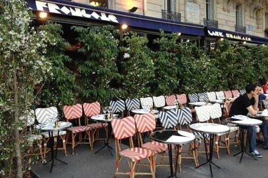バスティーユ広場、カフェ・フランセ