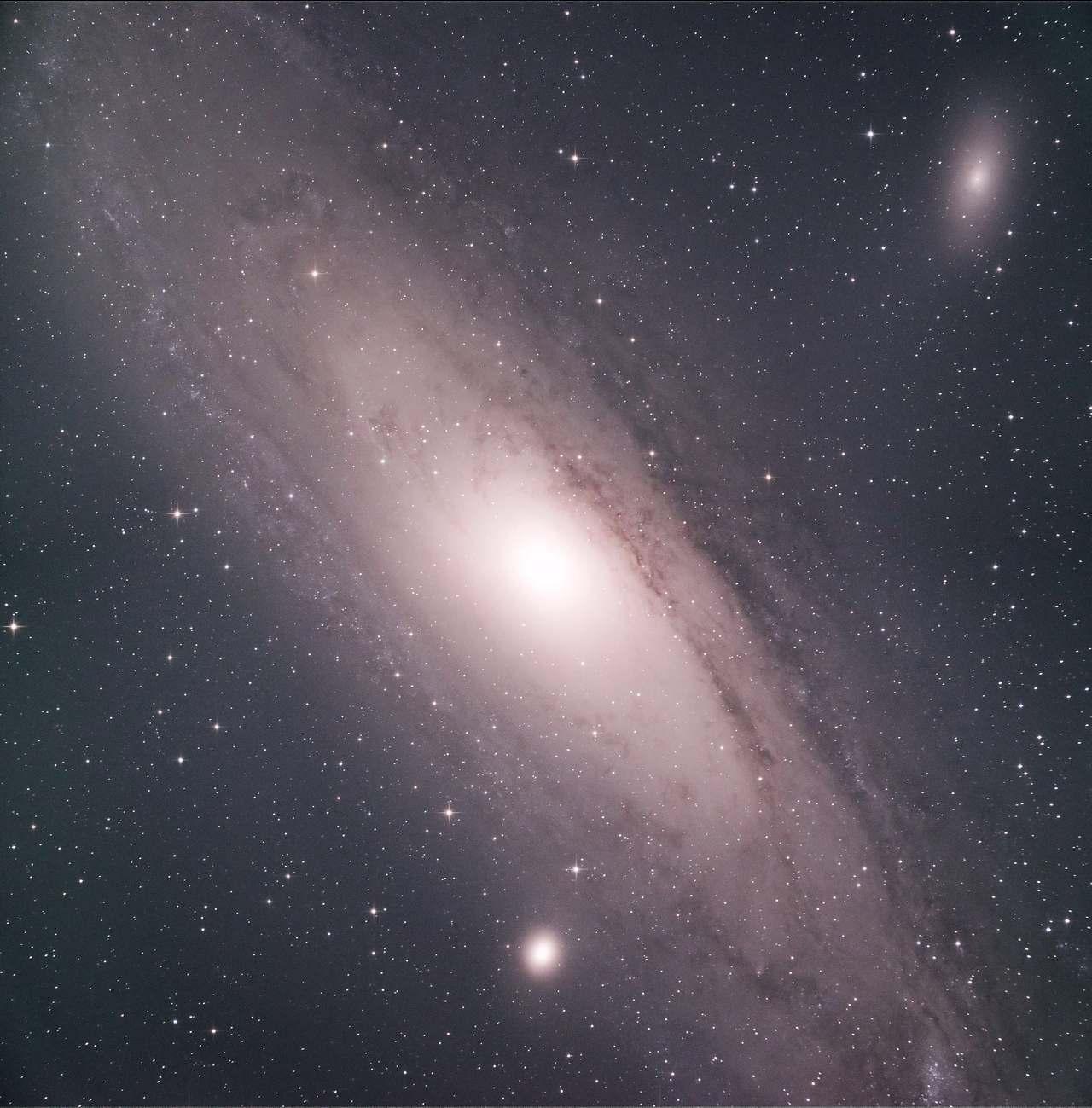 M31 2019年8月 2枚合成