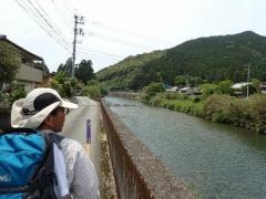 16牟岐川沿い