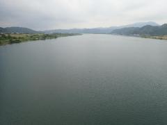 3広大な川