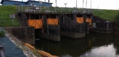 水は本川へ