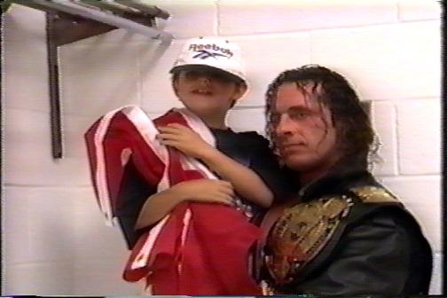 国旗と息子とチャンピオンベルト