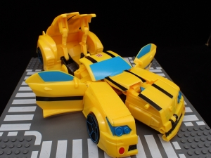 トランスフォーマー サイバーバース TCV-05 スティンガーソード バンブルビー (20)