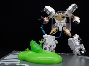 TRANSFORMERS Ghostbusters Ecto-1 Ectotron (33)