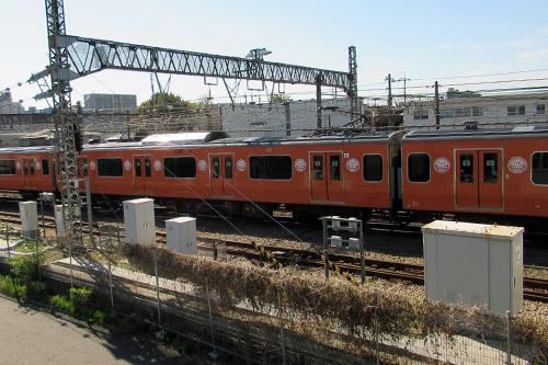 復刻オレンジラッピング電車