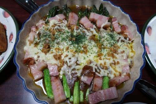 北海道アスパラとベーコンのカレーチーズ焼き