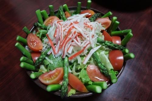 北海道アスパラとカニカマのサラダ