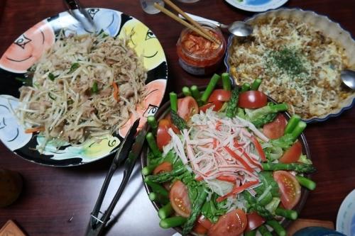 北海道アスパラとカニカマのサラダ、豚もやし、ドリア