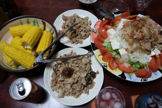 ともろこし、肉いため、豆腐のサラダ