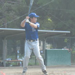 2回裏、先頭の伊藤幸が安打で出塁