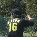 6回表、先頭の伊藤幸が安打で出塁