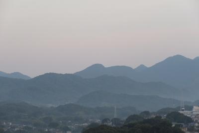 7月、重層する山並み