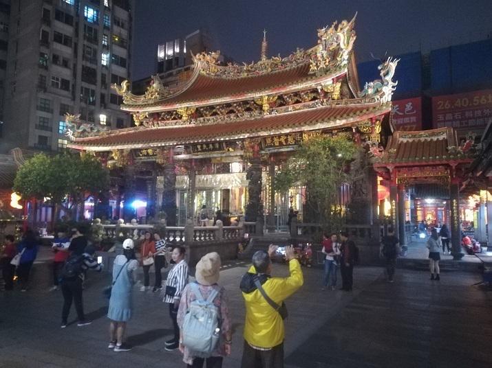 25 龍山寺