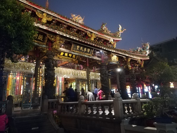 27 龍山寺