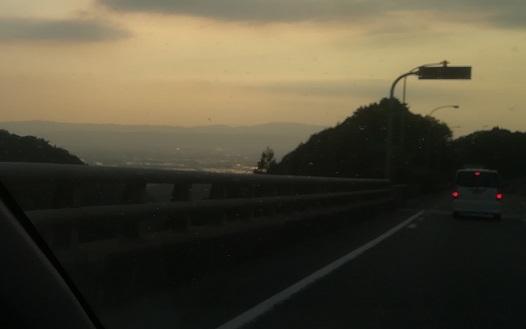 16 夕暮れの名阪国道・福住から天理へ下る