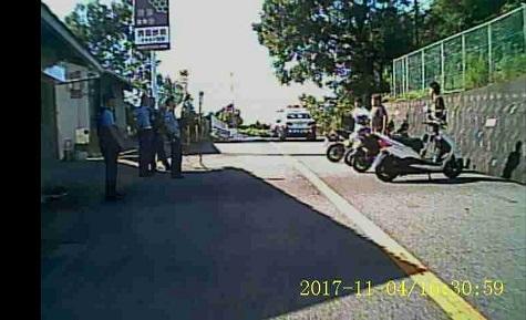 16 交通検問 バックカメラ
