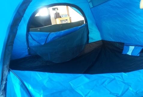 4 テントの内部