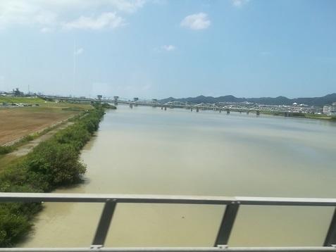 12 紀ノ川を渡る