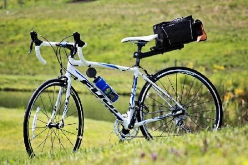 road-bike-fuji-roubaixbfdcaxdavdsvfvd.jpg