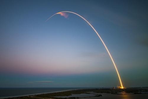 rocket-1245696_640.jpg