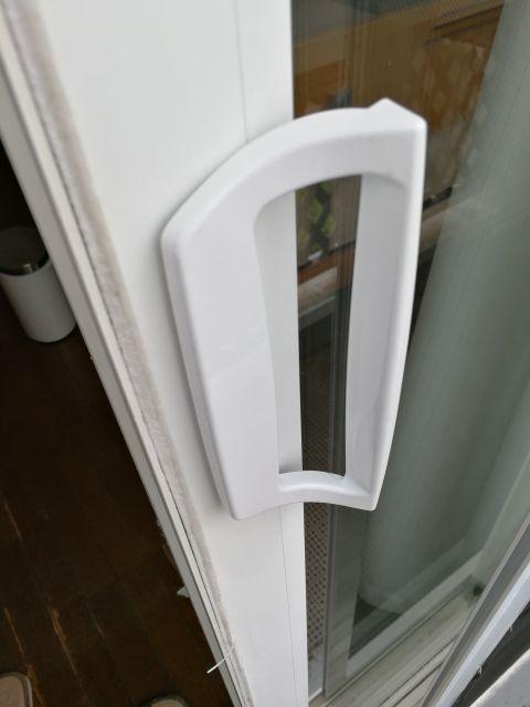 窓 ドアノブ交換