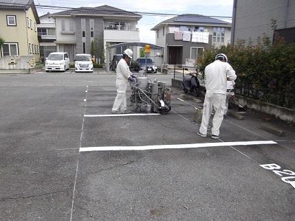施工中フルール駐車場下