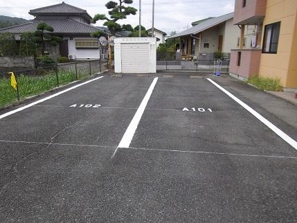 施工済みフルール駐車場上