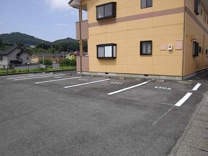 施工済みフルール駐車場中