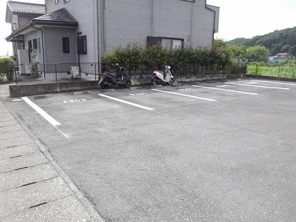 施工済みフルール駐車場最下