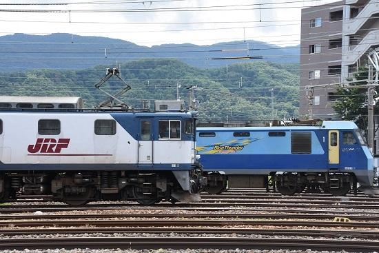 南松本にてEF64-1044号機とEH200-10号機