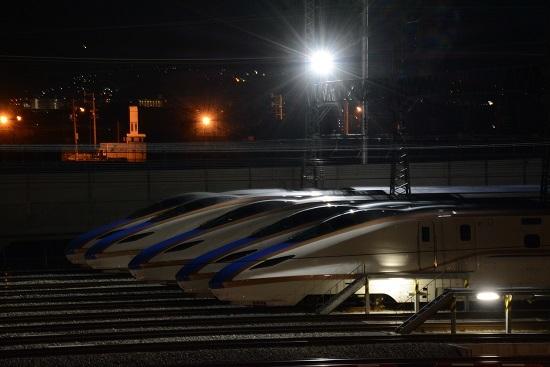 長野新幹線車両センターにてE7系5並び