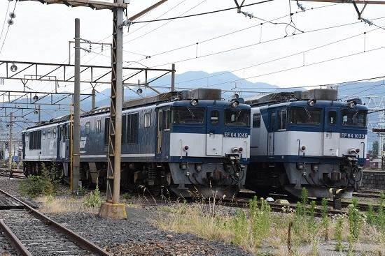 南松本にて EF64-1046+1049号機 広島更新色重連