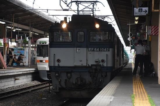 塩尻駅にて運転士交替 西線貨物8084レ